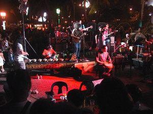 Manila_bay_concert.2.jpg